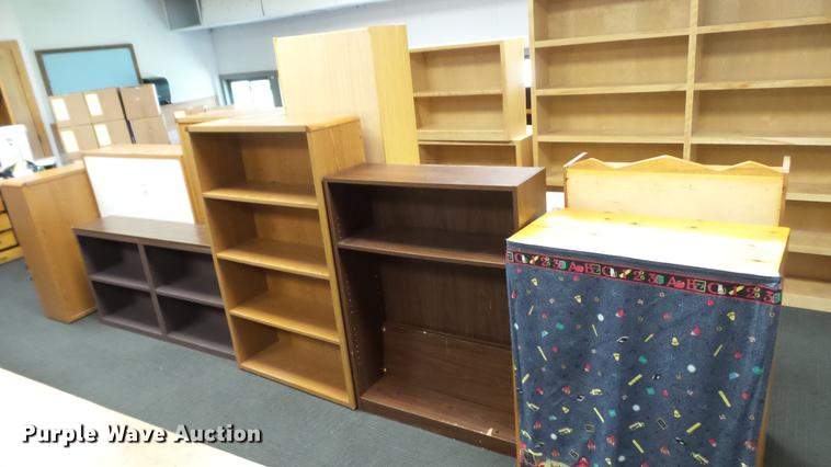 (10) bookshelves