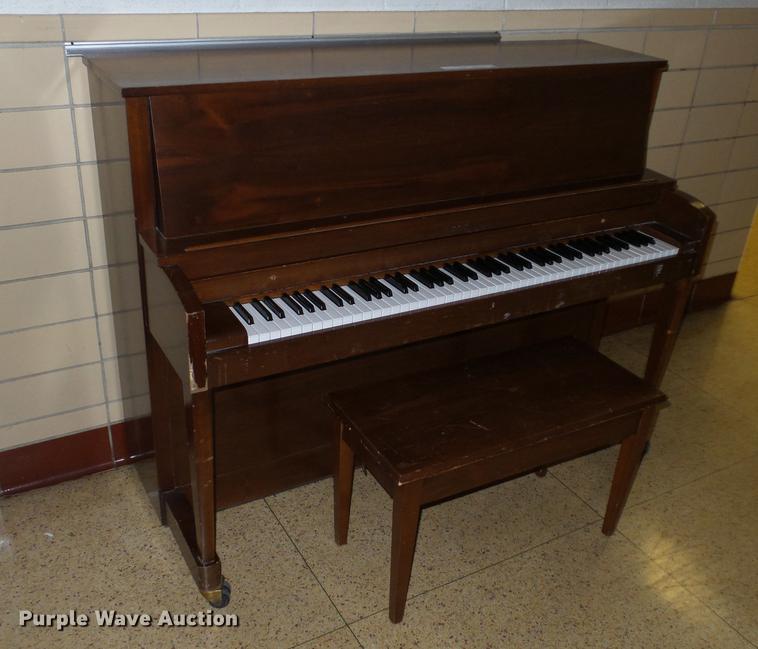 Baldwin 243WAL piano