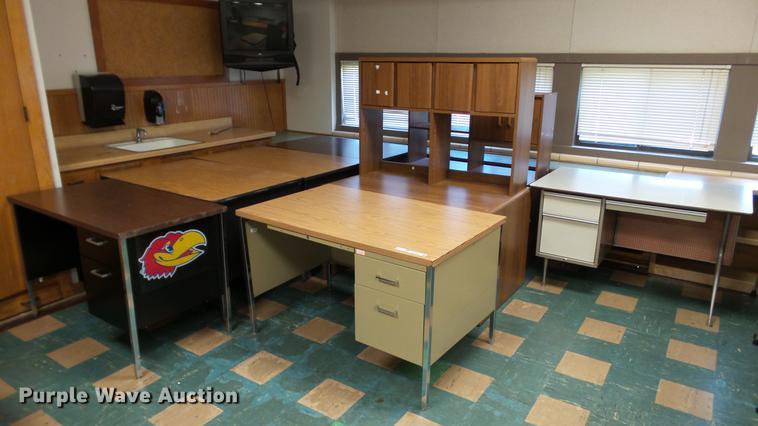 (7) desks