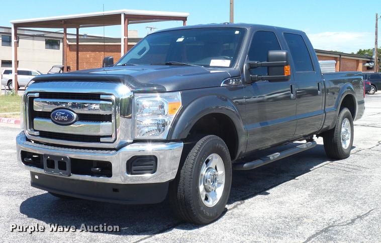 2015 Ford F250 Super Duty XLT Crew Cab pickup truck