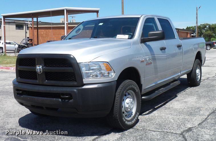2013 Dodge Ram 2500HD Crew Cab pickup truck