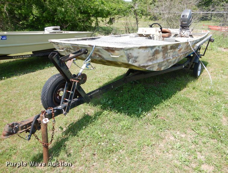 1982 Loweline aluminum flat bottom boat
