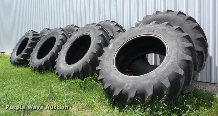 (8) Michelin Mach X-Bib 710/70R42 tires