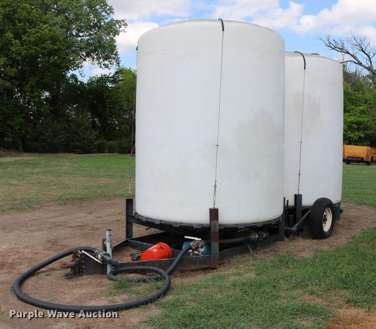 Wylie double cone nurse tank trailer
