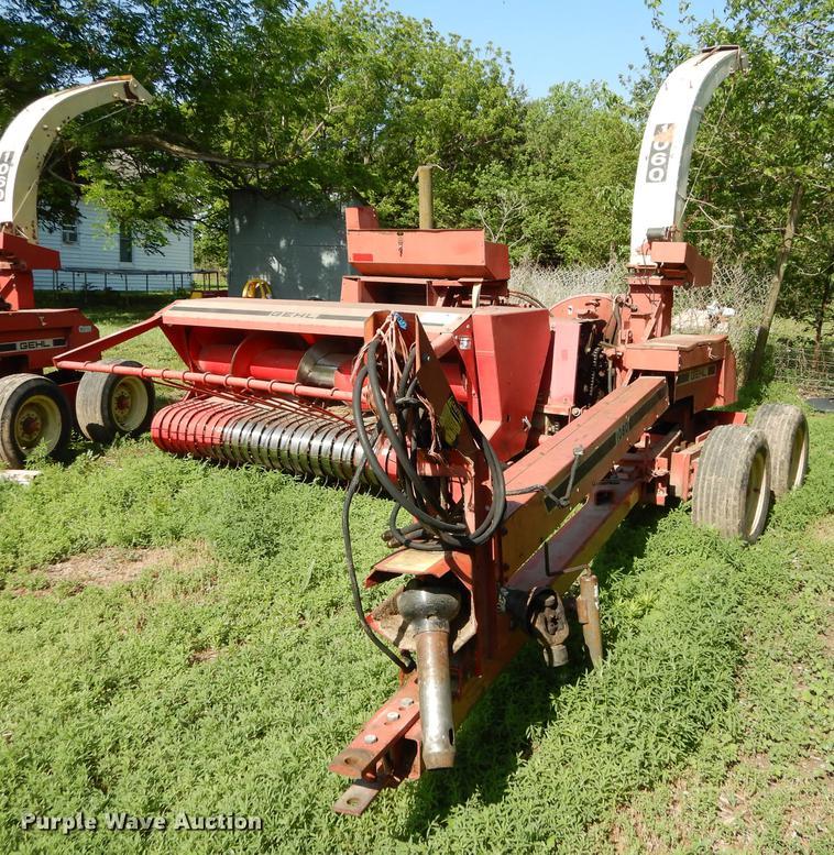 Gehl CB1060 forage harvester