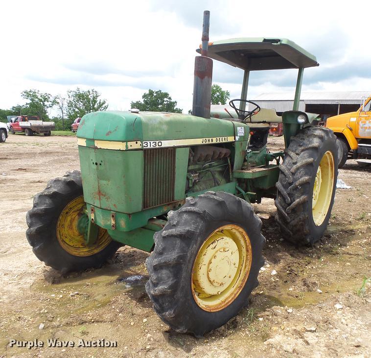 John Deere 3130 HFWD tractor