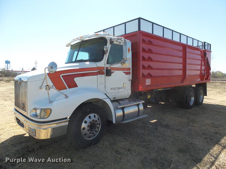 2006 International Eagle 9200i silage truck