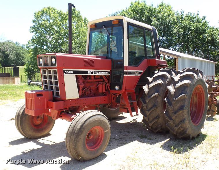 1980 International 1586 tractor
