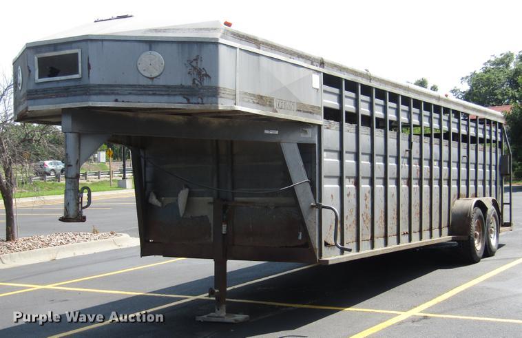 1991 Titan livestock trailer