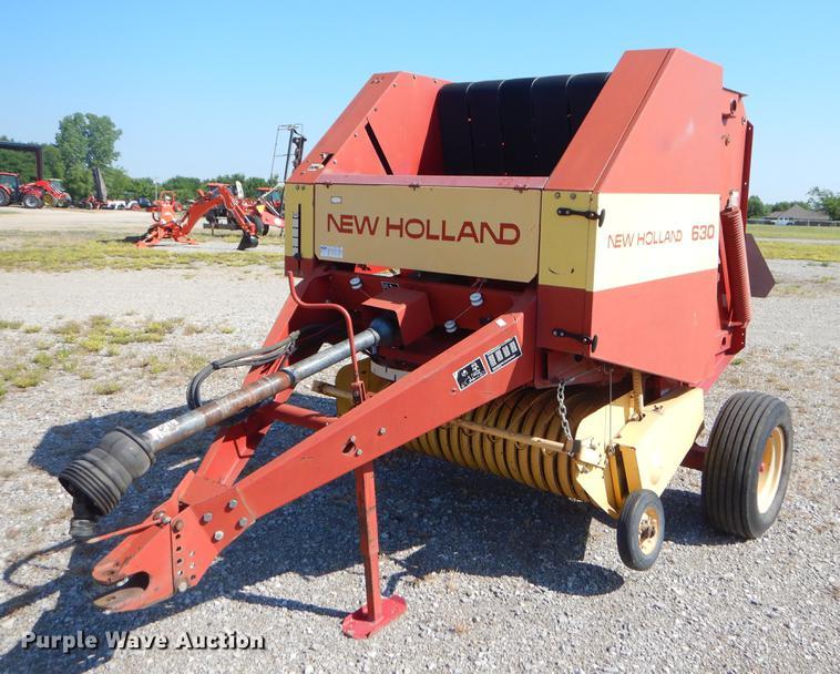 New Holland 630 round baler