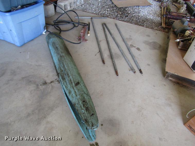 Irrigation pipe straightener