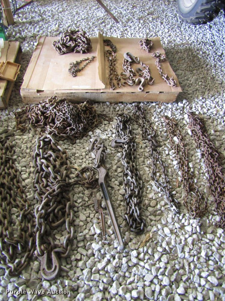 Tow and log chains