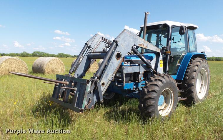 1993 Ford 7740 MFWD tractor