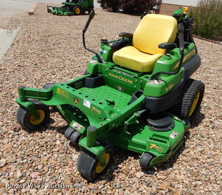 John Deere Z830A ZTR lawn mower