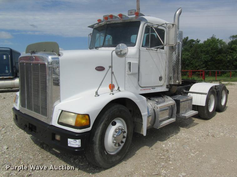 1990 Peterbilt 375 semi truck