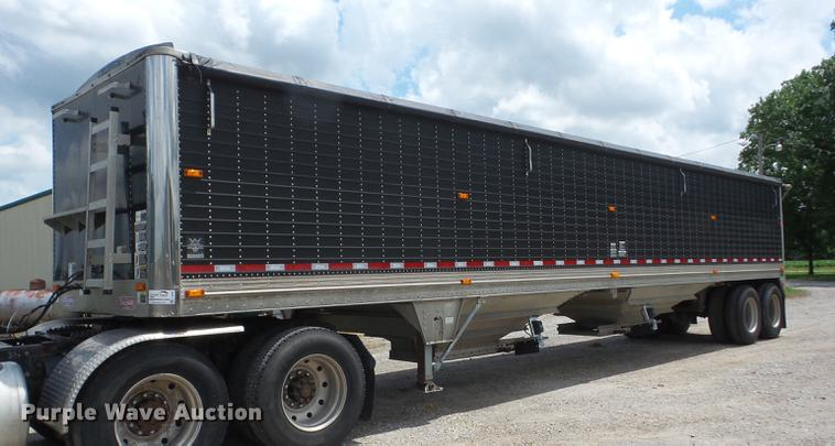 1999 Wilson DWH-400B Pace Setter double hopper bottom grain trailer