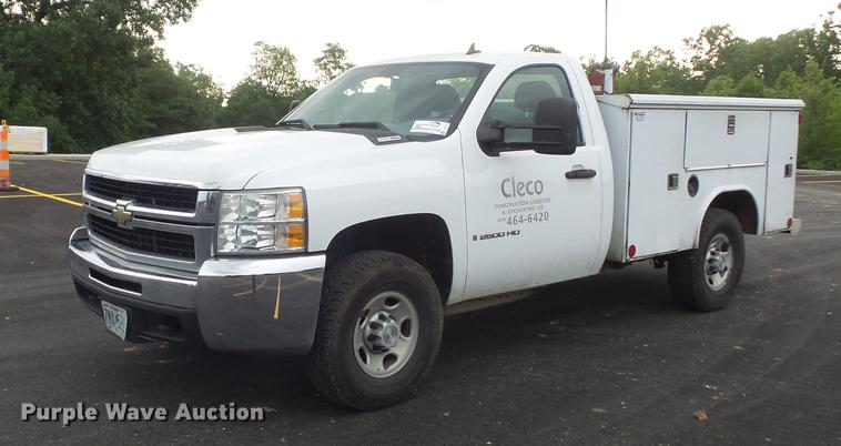 2008 Chevrolet Silverado 2500HD utility bed pickup truck