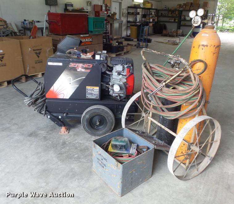 Red-d-arc ZR-10 welder