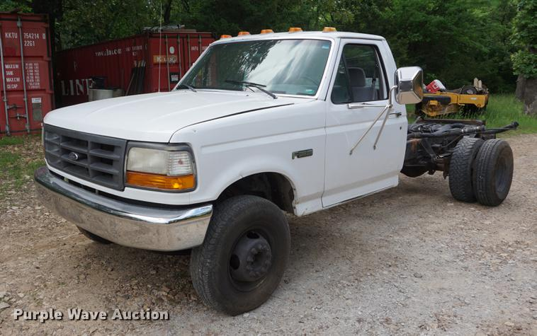 1995 Ford F450 truck cab and chassis