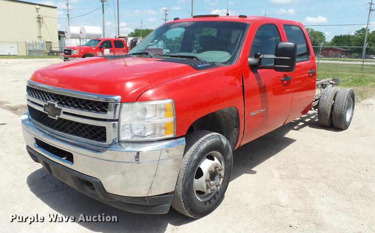 2011 Chevrolet Silverado 3500HD Crew Cab pickup truck cab and chassis