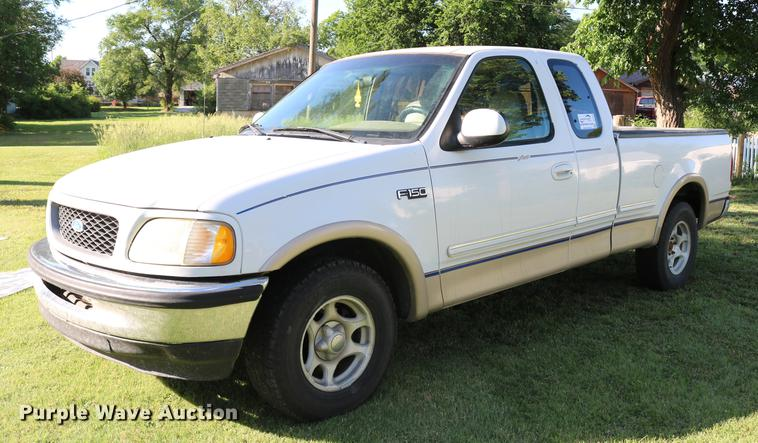 1997 Ford F150 Lariat SuperCab pickup truck