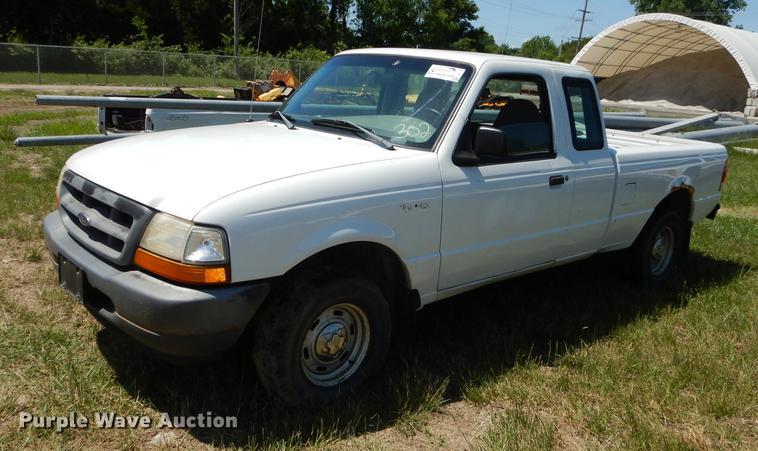 1998 Ford Ranger SuperCab pickup truck
