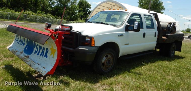 2005 Ford F350 Super Duty Crew Cab dump flatbed pickup truck