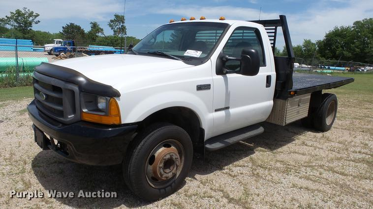 1999 Ford F550 flatbed truck