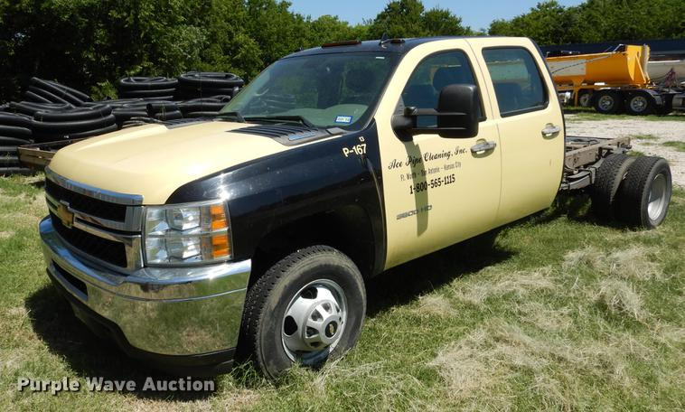 2013 Chevrolet Silverado 3500HD Crew Cab pickup truck cab and chassis