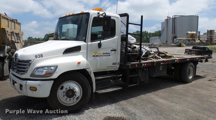 2007 Hino 338 flatbed truck