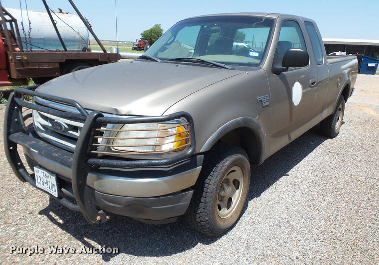 2001 Ford F150 SuperCab pickup truck