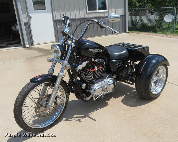 2006 Harley Davidson XL 1200C Special Edition trike motorcycle