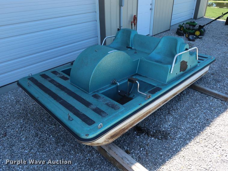 Paddle Wheeler paddle boat