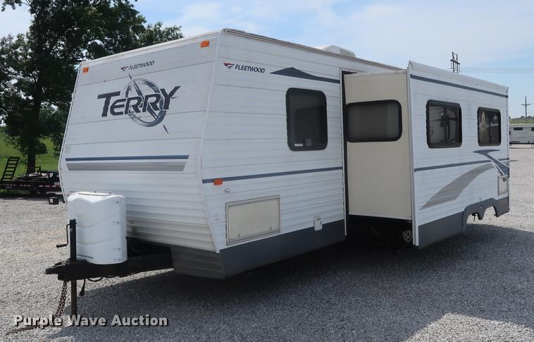 2005 Fleetwood Terry camper