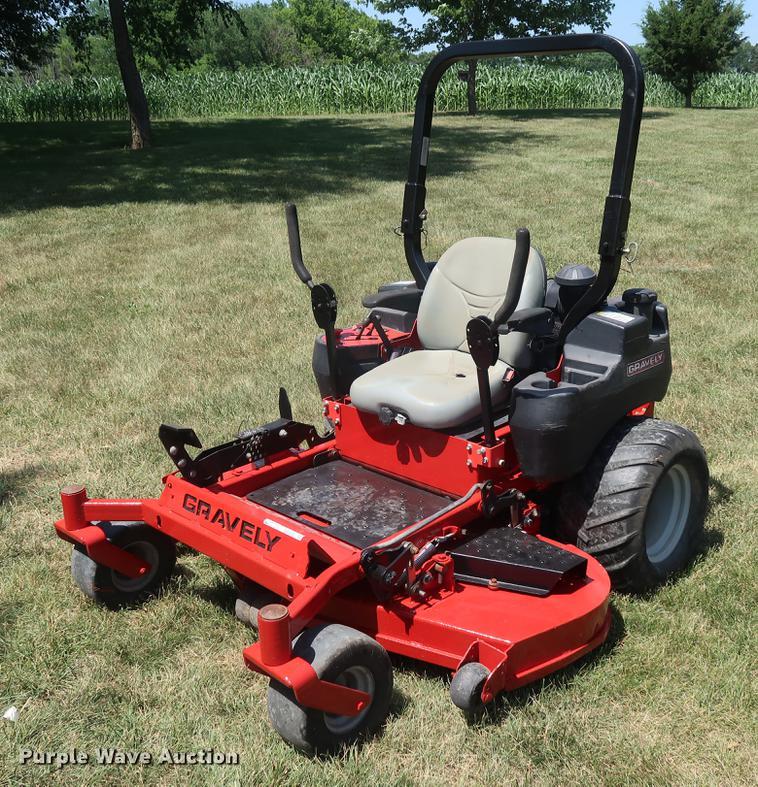 Gravely Pro Turn 260 ZTR lawn mower