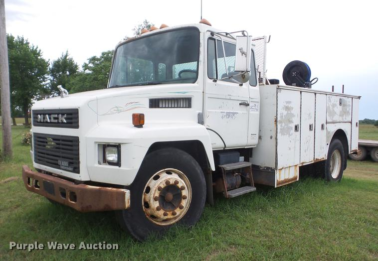 1990 Mack service truck