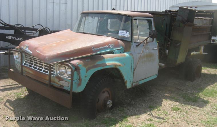 1963 International 130 series feed truck