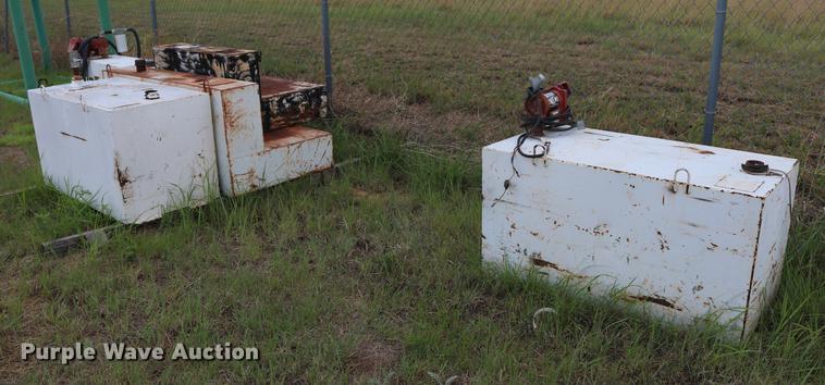 (5) fuel tanks