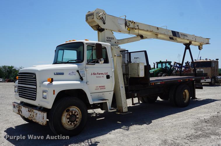 1996 Ford LN7000 crane truck