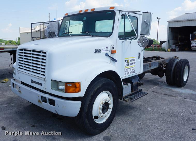 1996 International 4700 truck cab and chassis