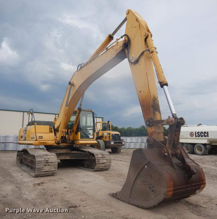 Komatsu PC300LC-7 excavator