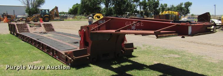 2006 Globe low boy equipment trailer