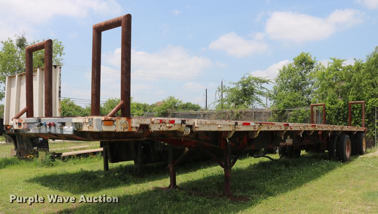 1989 Utility flatbed trailer