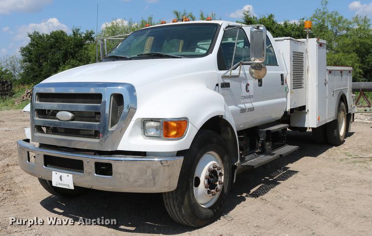 2007 Ford F750 Super Duty service truck