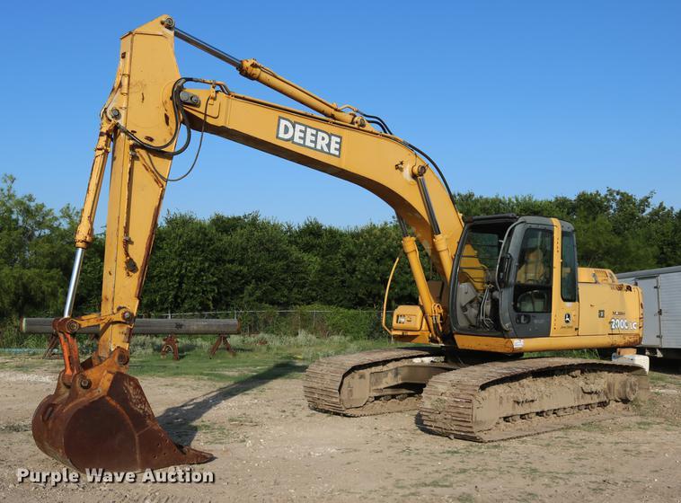 2004 John Deere 200C LC excavator
