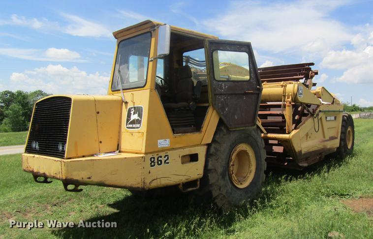 1986 John Deere 862 elevating scraper