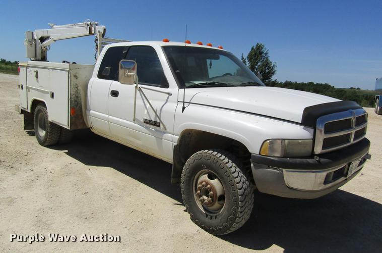 1998 Dodge Ram 3500 Ext. Cab utility bed pickup truck with crane