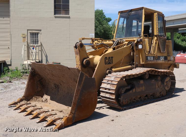 1998 Caterpillar 963B track loader