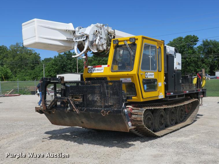 1996 Bombardier GT1600NTLFD Go-Tract track carrier with digger derrick