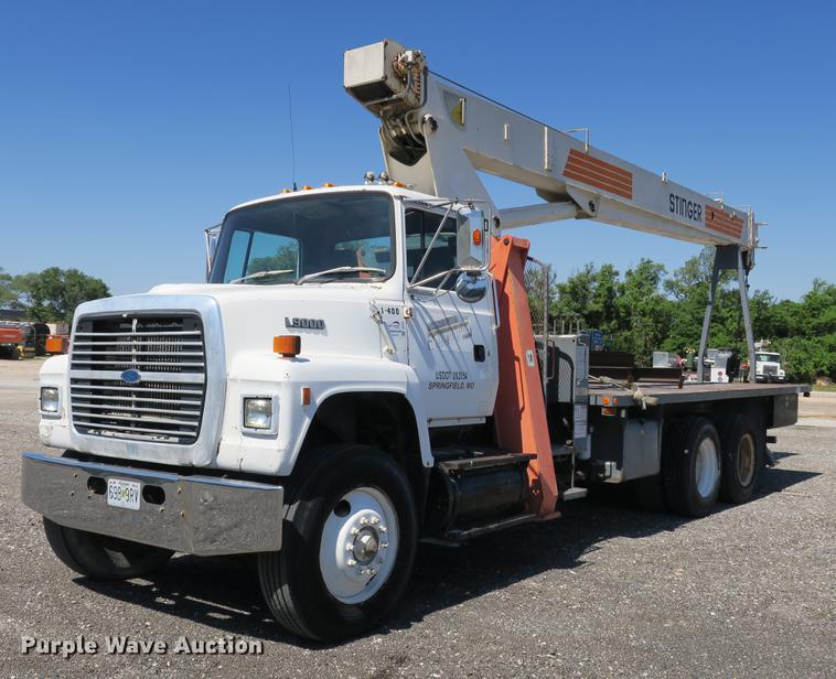 1992 Ford L9000 crane truck